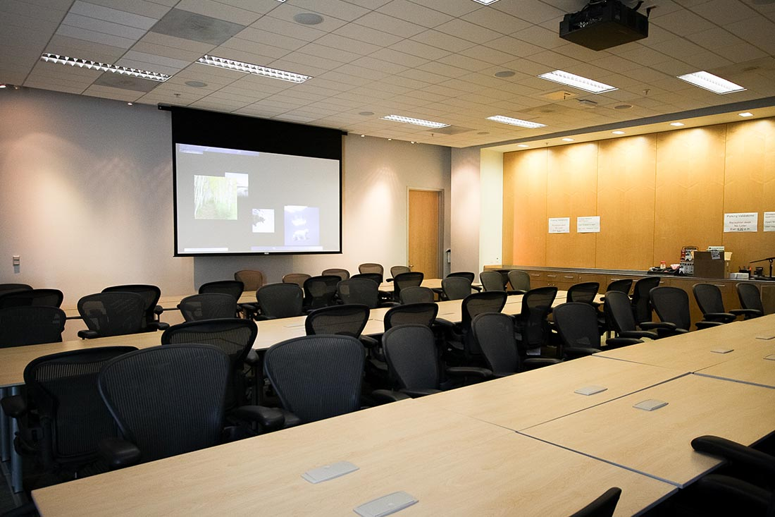 Custom meeting rooms for audio visual services